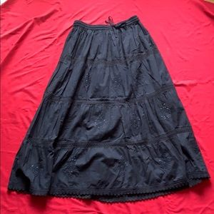 Black tiered Skirt (Size:14/16)